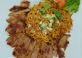 Garlic Noodle Beef Steak